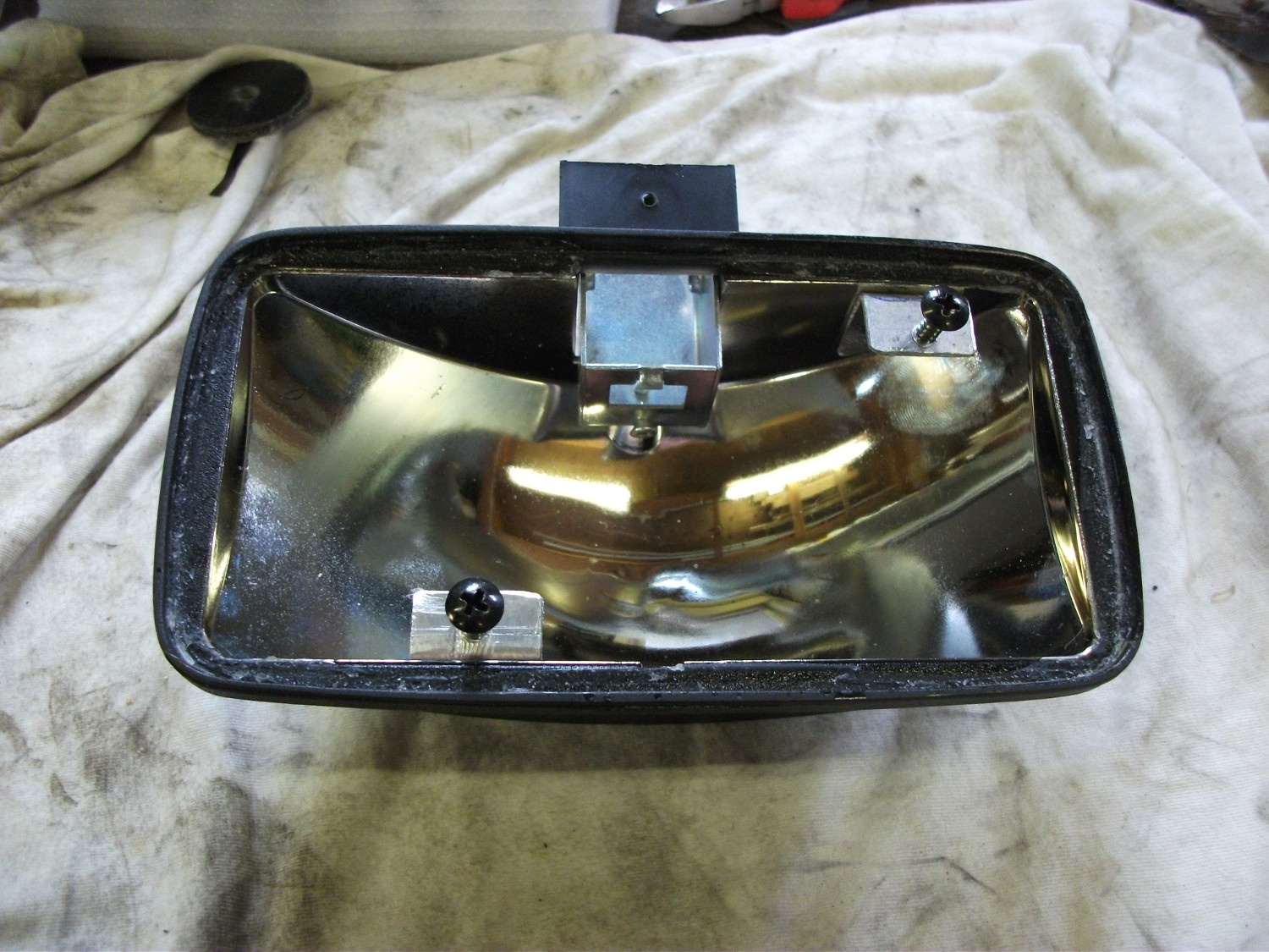 Fog lights with tabs